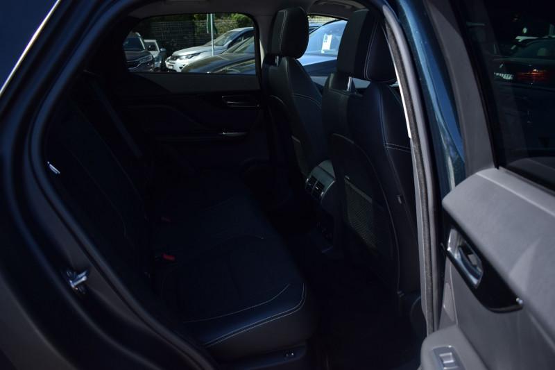 Photo 11 de l'offre de JAGUAR F-PACE V6 3.0D 300CH R-SPORT 4X4 BVA8 à 31900€ chez Univers Motors