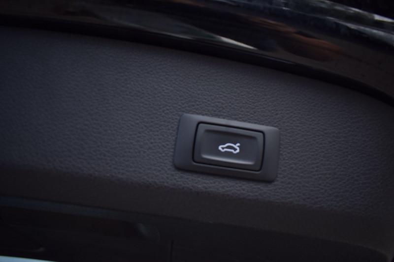 Photo 22 de l'offre de AUDI Q7 3.0 V6 TDI 245CH FAP S LINE QUATTRO TIPTRONIC 7 PLACES à 33900€ chez Univers Motors