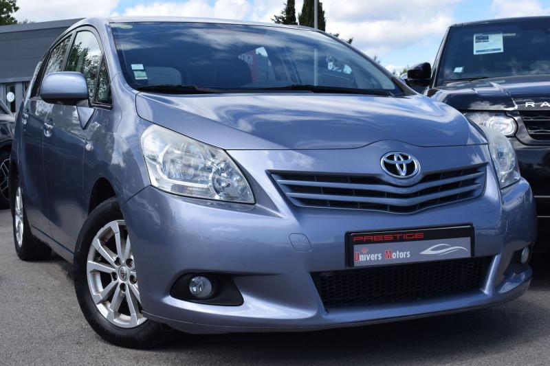 Toyota VERSO 126 D-4D FAP LOUNGE 5 PLACES Diesel BLEU CIEL Occasion à vendre