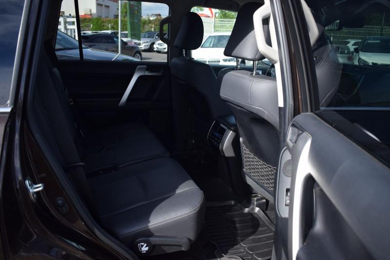 Photo 19 de l'offre de TOYOTA LAND CRUISER 177 D-4D LOUNGE PACK TECHNO BVA 5P 7PLACES à 52900€ chez Univers Motors