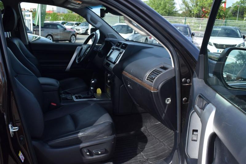 Photo 18 de l'offre de TOYOTA LAND CRUISER 177 D-4D LOUNGE PACK TECHNO BVA 5P 7PLACES à 52900€ chez Univers Motors
