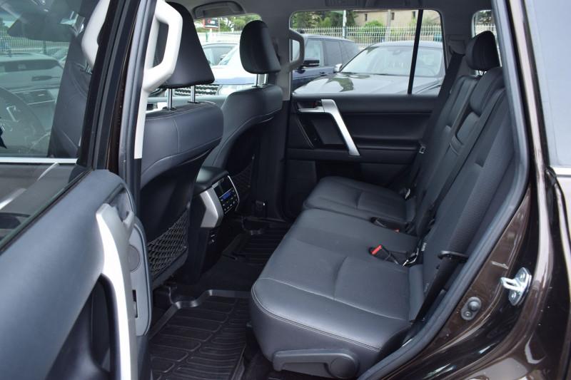 Photo 12 de l'offre de TOYOTA LAND CRUISER 177 D-4D LOUNGE PACK TECHNO BVA 5P 7PLACES à 52900€ chez Univers Motors