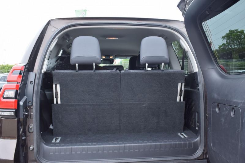 Photo 25 de l'offre de TOYOTA LAND CRUISER 177 D-4D LOUNGE PACK TECHNO BVA 5P 7PLACES à 52900€ chez Univers Motors