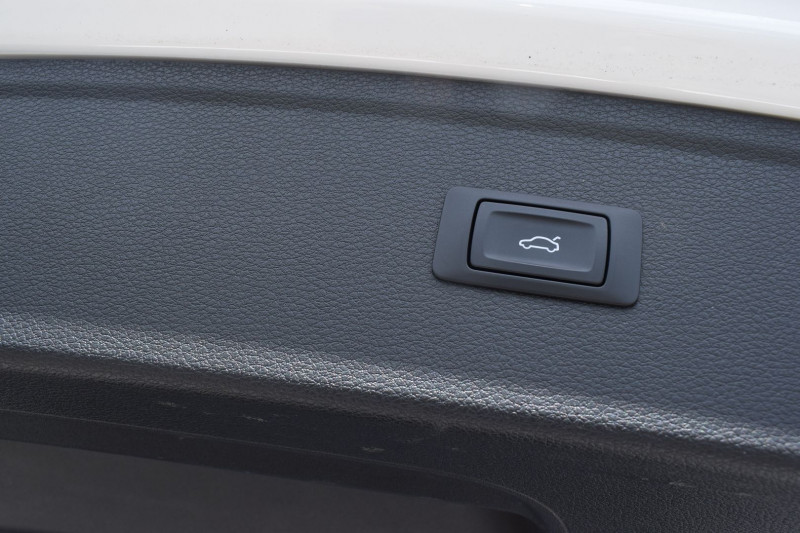 Photo 14 de l'offre de AUDI Q5 2.0 TDI 190CH BUSINESS EXECUTIVE QUATTRO S TRONIC 7 à 35900€ chez Univers Motors