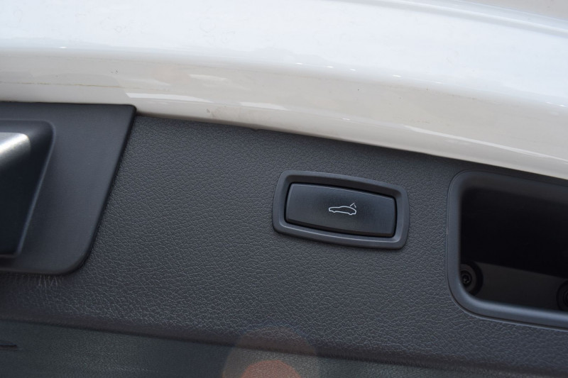 Photo 14 de l'offre de PORSCHE MACAN 3.6 V6 400CH TURBO PDK à 47900€ chez Univers Motors