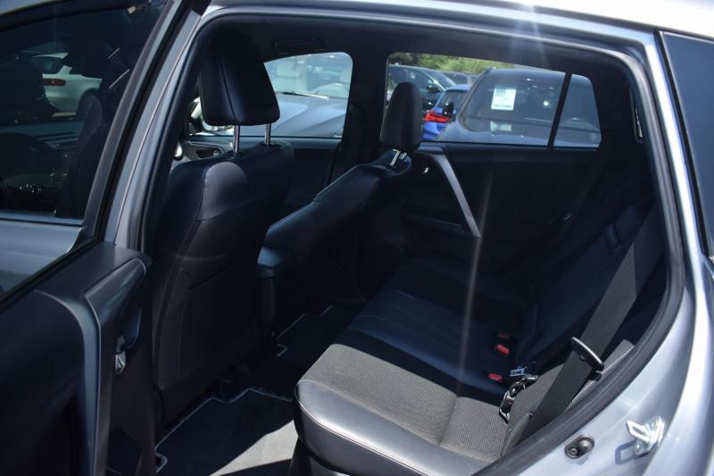 Photo 5 de l'offre de TOYOTA RAV4 197 HYBRIDE DYNAMIC BUSINESS 2WD CVT à 19900€ chez Univers Motors