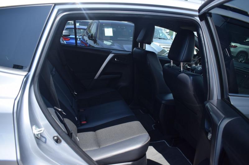 Photo 4 de l'offre de TOYOTA RAV4 197 HYBRIDE DYNAMIC BUSINESS 2WD CVT à 19900€ chez Univers Motors