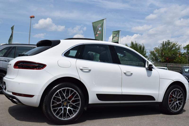 Photo 26 de l'offre de PORSCHE MACAN 3.6 V6 400CH TURBO PDK à 47900€ chez Univers Motors