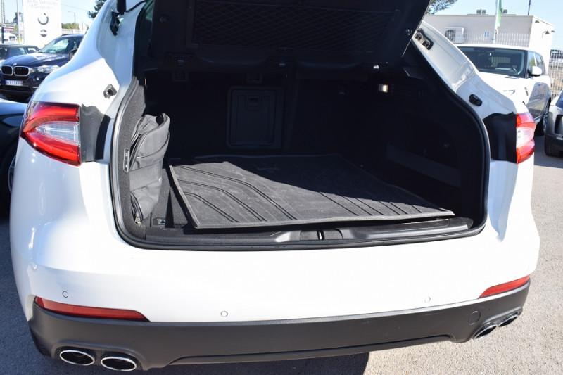 Photo 13 de l'offre de MASERATI LEVANTE 3.0 V6 250CH DIESEL à 39900€ chez Univers Motors