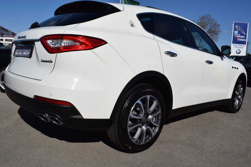 Photo 11 de l'offre de MASERATI LEVANTE 3.0 V6 250CH DIESEL à 39900€ chez Univers Motors