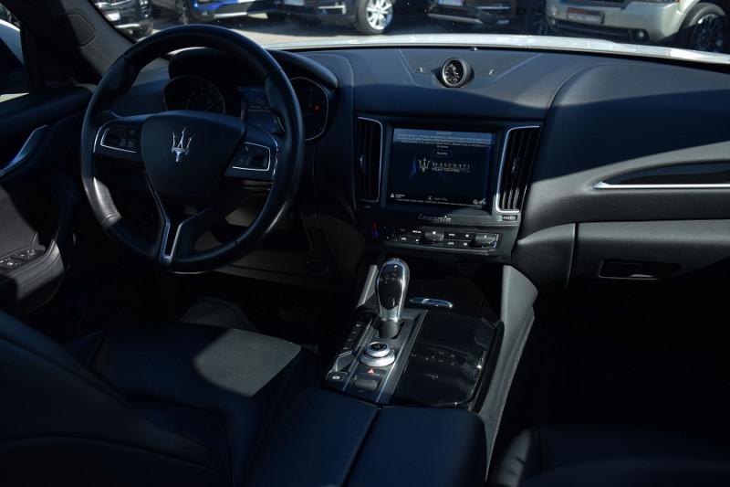 Photo 2 de l'offre de MASERATI LEVANTE 3.0 V6 250CH DIESEL à 39900€ chez Univers Motors