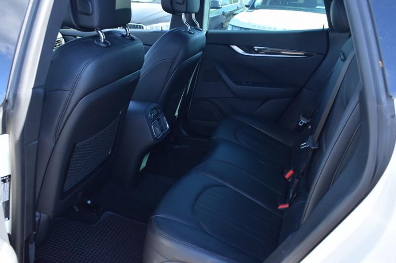Photo 19 de l'offre de MASERATI LEVANTE 3.0 V6 250CH DIESEL à 39900€ chez Univers Motors