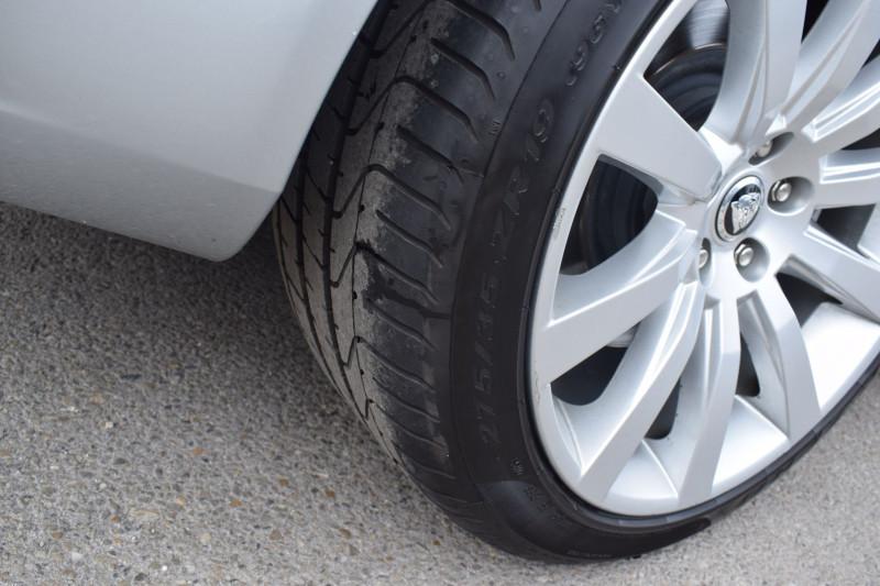 Photo 17 de l'offre de JAGUAR XK CABRIOLET 3.5 V8 258CH à 33900€ chez Univers Motors