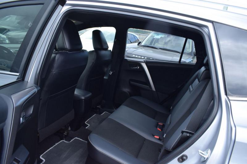 Photo 11 de l'offre de TOYOTA RAV4 197 HYBRIDE DYNAMIC 2WD CVT à 21900€ chez Univers Motors
