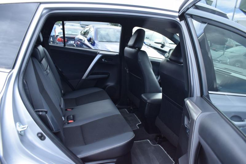 Photo 7 de l'offre de TOYOTA RAV4 197 HYBRIDE DYNAMIC 2WD CVT à 21900€ chez Univers Motors
