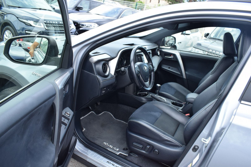 Photo 6 de l'offre de TOYOTA RAV4 197 HYBRIDE DYNAMIC 2WD CVT à 21900€ chez Univers Motors