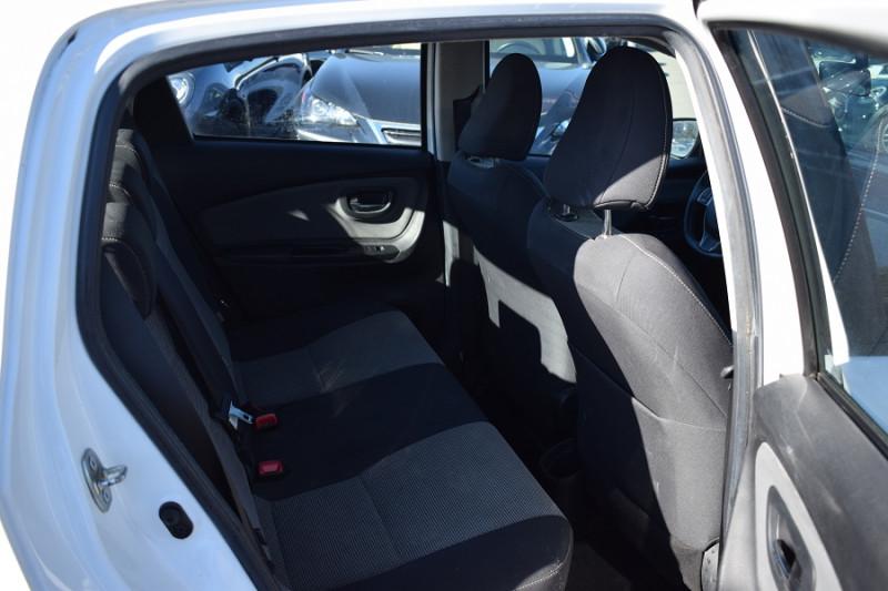 Photo 8 de l'offre de TOYOTA YARIS HSD 100H DYNAMIC 5P à 8400€ chez Univers Motors
