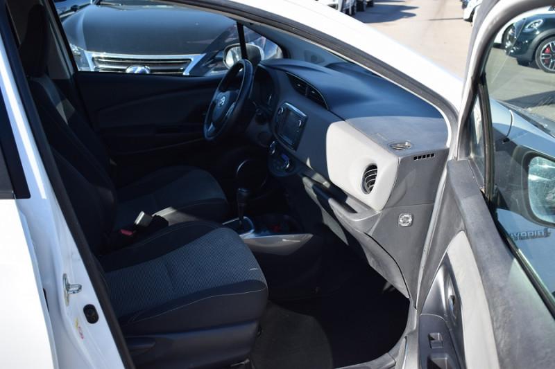 Photo 10 de l'offre de TOYOTA YARIS HSD 100H DYNAMIC 5P à 8400€ chez Univers Motors