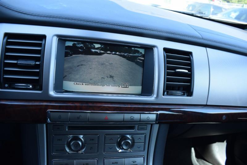 Photo 14 de l'offre de JAGUAR XF 2.7D BI-TURBO LUXE PREMIUM à 11400€ chez Univers Motors