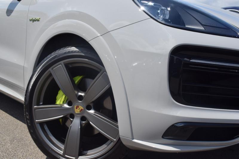 Photo 23 de l'offre de PORSCHE CAYENNE COUPE 3.0 V6 462CH E-HYBRID EURO6D-T-EVAP-ISC Origine France tva récupérable à 121900€ chez Univers Motors