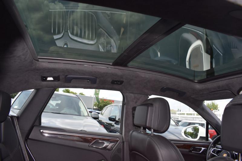 Photo 4 de l'offre de PORSCHE MACAN 3.6 V6 400CH TURBO PDK à 46900€ chez Univers Motors