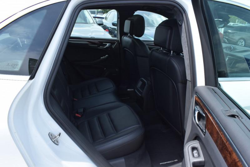 Photo 18 de l'offre de PORSCHE MACAN 3.6 V6 400CH TURBO PDK à 46900€ chez Univers Motors
