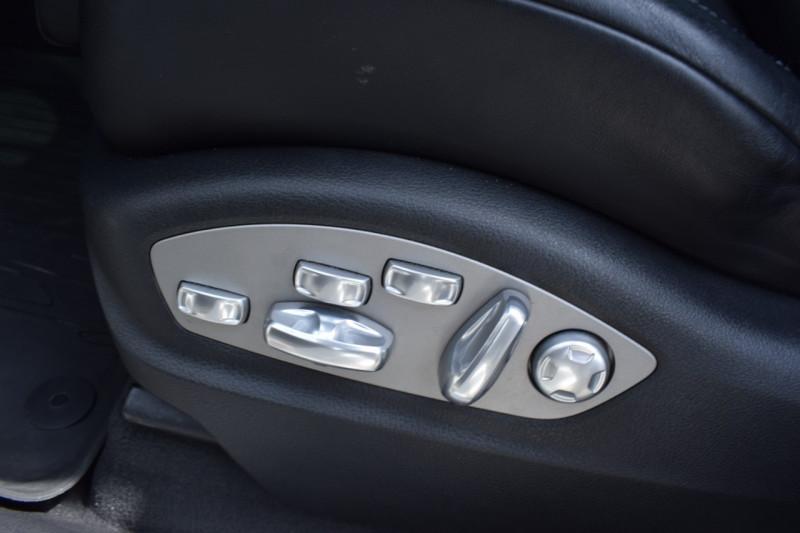 Photo 16 de l'offre de PORSCHE MACAN 3.6 V6 400CH TURBO PDK à 46900€ chez Univers Motors