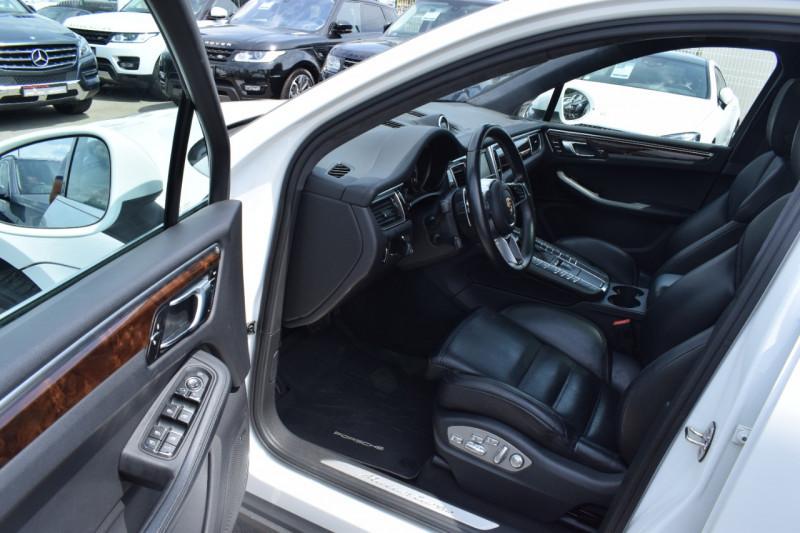 Photo 10 de l'offre de PORSCHE MACAN 3.6 V6 400CH TURBO PDK à 46900€ chez Univers Motors