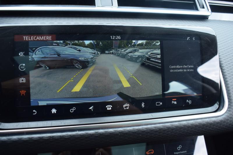 Photo 4 de l'offre de LAND-ROVER RANGE ROVER VELAR 3.0D V6 300CH R-DYNAMIC SE AWD BVA à 51900€ chez Univers Motors