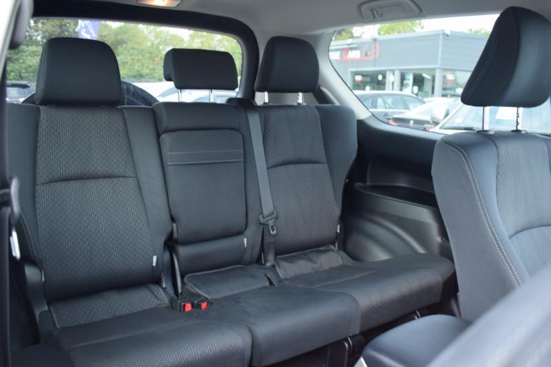 Photo 7 de l'offre de TOYOTA LAND CRUISER 177 D-4D LEGENDE BVA 3P RC18 tva récupérable à 44900€ chez Univers Motors