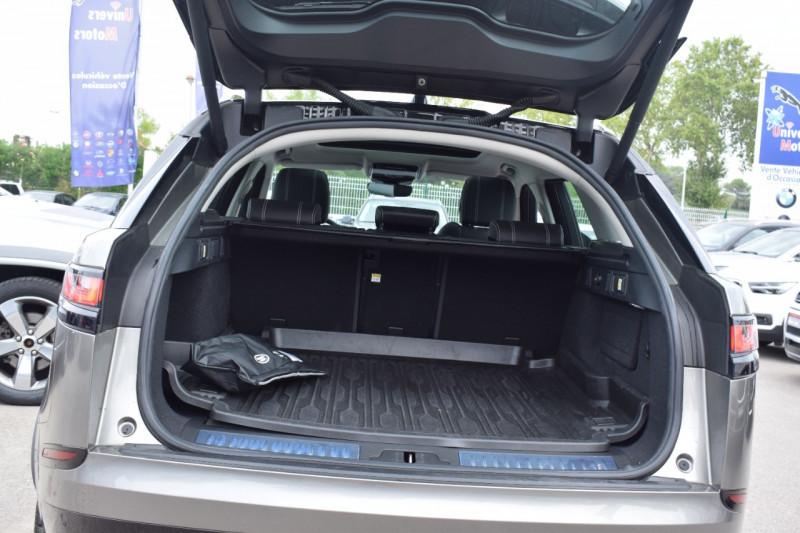 Photo 12 de l'offre de LAND-ROVER RANGE ROVER VELAR 3.0D V6 300CH R-DYNAMIC SE AWD BVA à 51900€ chez Univers Motors