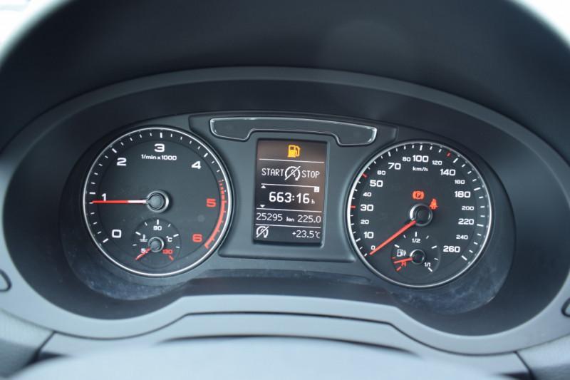 Photo 4 de l'offre de AUDI Q3 2.0 TDI 120CH BUSINESS LINE à 22400€ chez Univers Motors