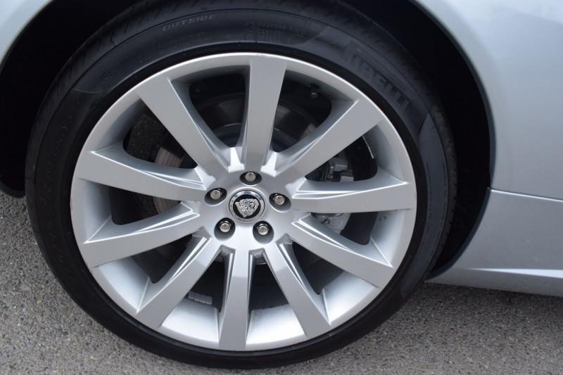 Photo 18 de l'offre de JAGUAR XK CABRIOLET 3.5 V8 258CH à 33900€ chez Univers Motors