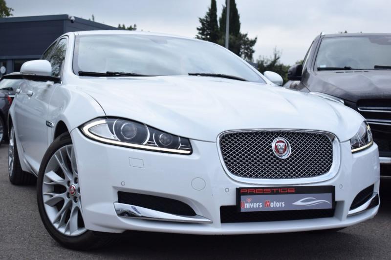 Jaguar XF 2.2 D 200CH LUXE PREMIUM Diesel BLANC Occasion à vendre