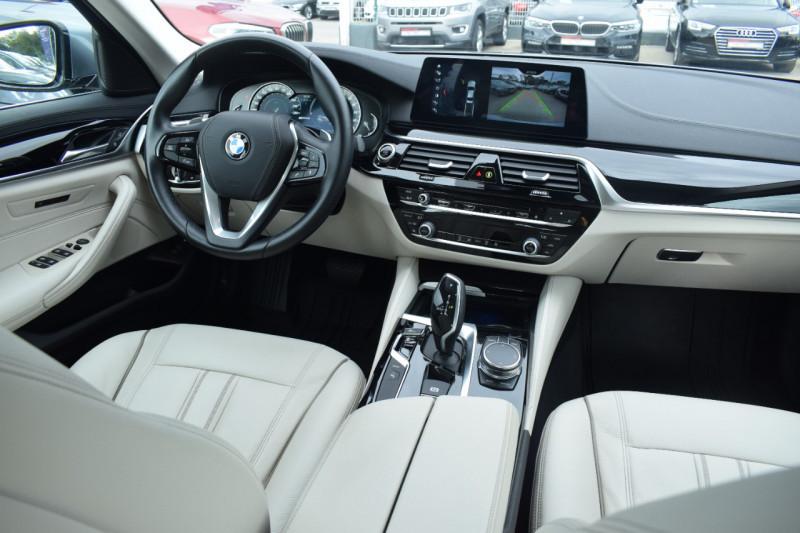 Photo 2 de l'offre de BMW SERIE 5 (G30) 530EA IPERFORMANCE 252CH LUXURY à 37900€ chez Univers Motors