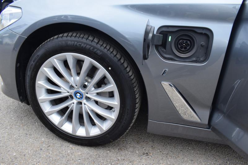 Photo 15 de l'offre de BMW SERIE 5 (G30) 530EA IPERFORMANCE 252CH LUXURY à 37900€ chez Univers Motors
