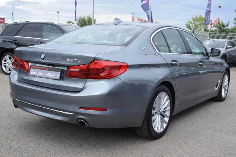 Photo 9 de l'offre de BMW SERIE 5 (G30) 530EA IPERFORMANCE 252CH LUXURY à 37900€ chez Univers Motors