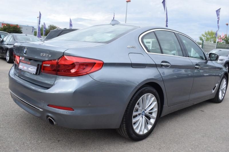 Photo 5 de l'offre de BMW SERIE 5 (G30) 530EA IPERFORMANCE 252CH LUXURY à 37900€ chez Univers Motors