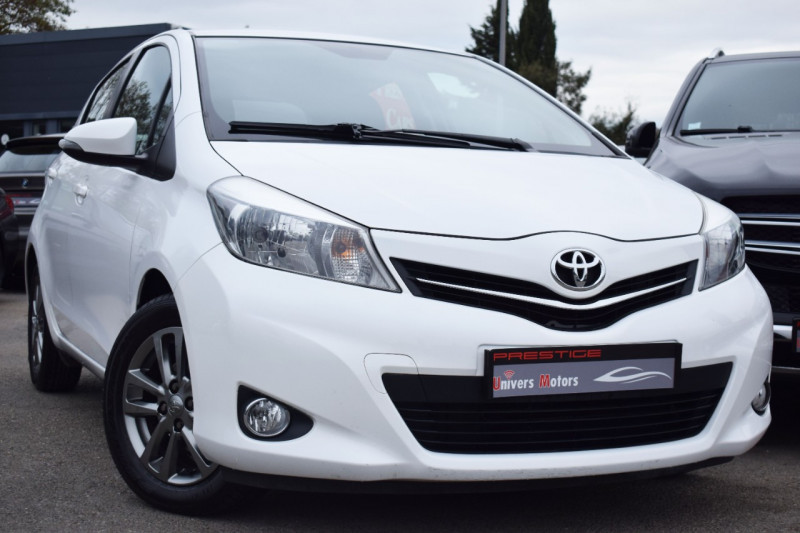 Toyota YARIS 100 VVT-I STYLE 5P Essence BLANC Occasion à vendre