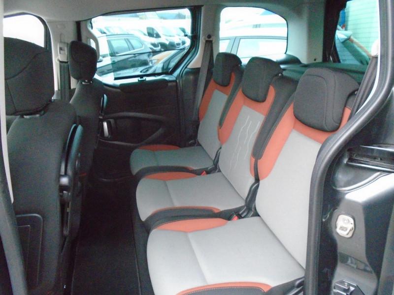 Photo 6 de l'offre de PEUGEOT PARTNER TEPEE 1.6 BLUEHDI 100CH STYLE à 13495€ chez Remiremont automobiles