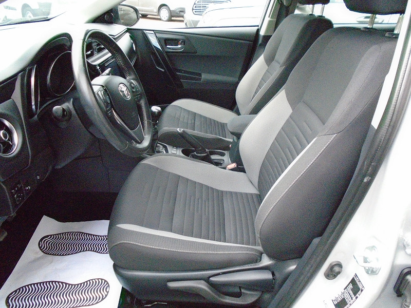Photo 3 de l'offre de TOYOTA AURIS TOURING SPORTS 112 D-4D DYNAMIC BUSINESS à 12995€ chez Remiremont automobiles