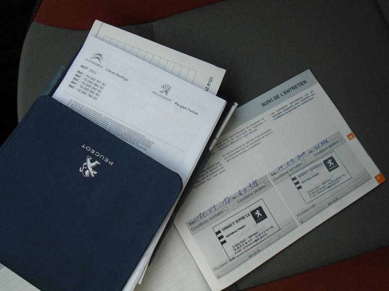 Photo 11 de l'offre de PEUGEOT PARTNER TEPEE 1.6 BLUEHDI 100CH STYLE à 13495€ chez Remiremont automobiles