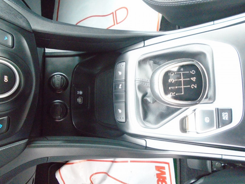 Photo 4 de l'offre de HYUNDAI SANTA FE 2.2 CRDI 200CH CREATIVE 4WD à 22995€ chez Remiremont automobiles