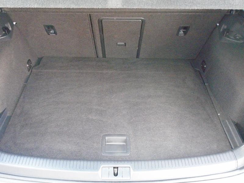 Photo 11 de l'offre de VOLKSWAGEN GOLF VII R 2.0 TSI 300CH 4MOTION 5P à 29995€ chez Remiremont automobiles