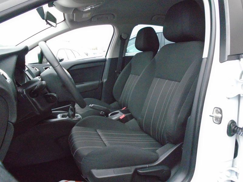 Photo 3 de l'offre de CITROEN C4 PURETECH 110CH LIVE à 10495€ chez Remiremont automobiles