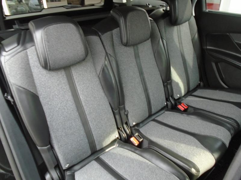 Photo 11 de l'offre de PEUGEOT 5008 1.6 BLUEHDI 120CH ALLURE S&S 7PL à 23995€ chez Remiremont automobiles