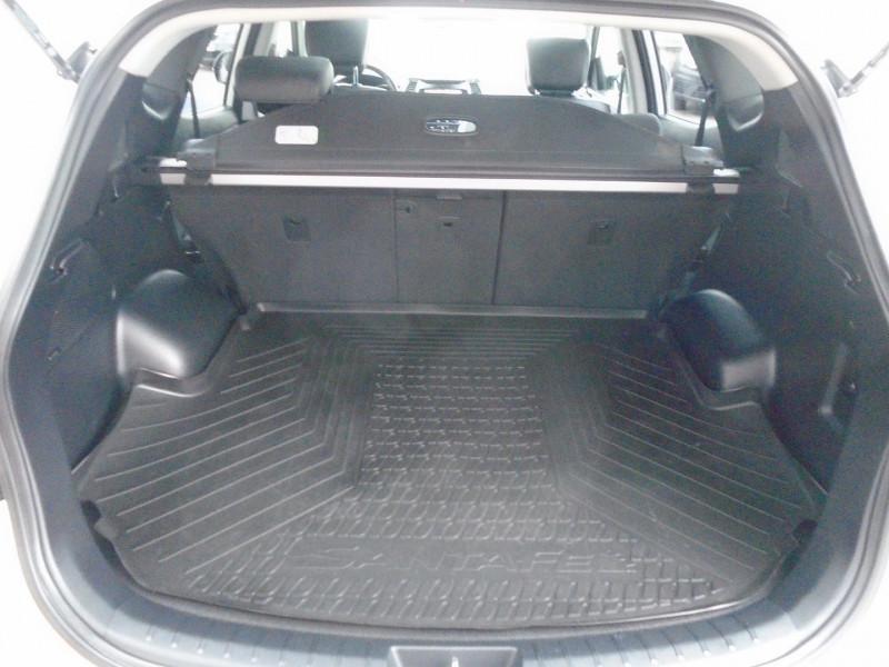 Photo 13 de l'offre de HYUNDAI SANTA FE 2.2 CRDI 200CH CREATIVE 4WD à 22995€ chez Remiremont automobiles