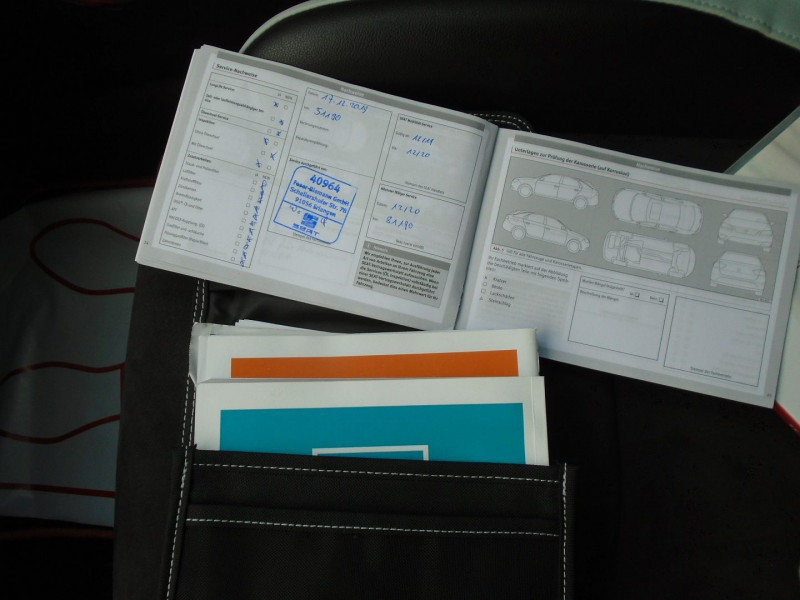 Photo 15 de l'offre de SEAT LEON ST 2.0 TSI 290CH CUPRA 290 START&STOP à 24995€ chez Remiremont automobiles