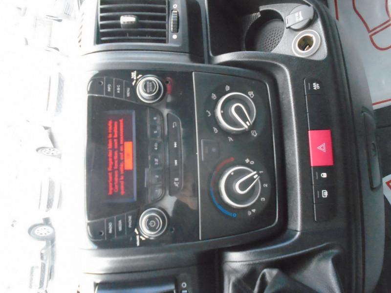 Photo 4 de l'offre de PEUGEOT BOXER BENNE 335 L2 2.0 BLUEHDI 130 S&S PRO SR à 23995€ chez Remiremont automobiles