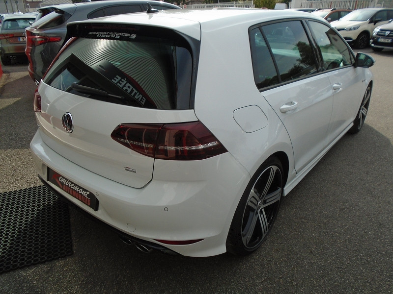 Photo 16 de l'offre de VOLKSWAGEN GOLF VII R 2.0 TSI 300CH 4MOTION 5P à 29995€ chez Remiremont automobiles